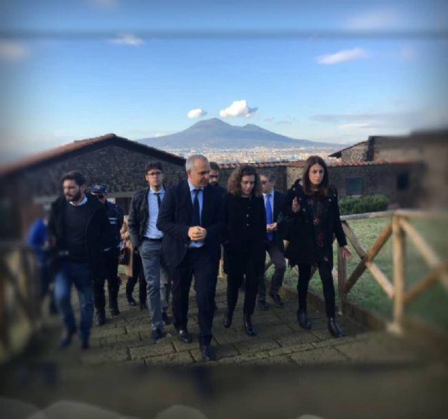 Castellammare - Scavi di Stabia, ieri il Sottosegretario Orrico in visita a villa Arianna e villa San Marco - StabiaChannel.it